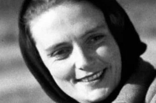 После успеха «Чапаева», Мясниковой присвоили звание Заслуженной артистки РСФСР.