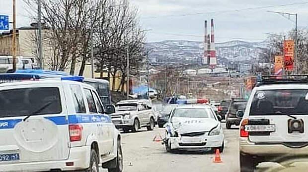 Два сотрудника ГИБДД пострадали в аварии на Камчатке