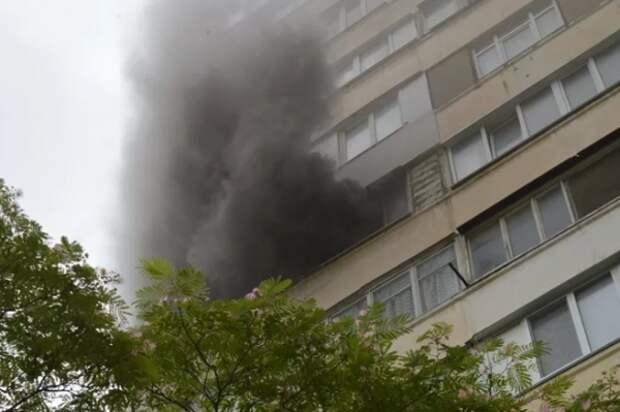 Страшный пожар в севастопольской многоэтажке!