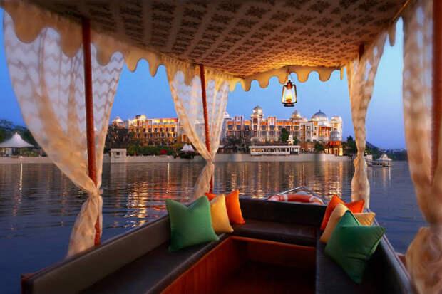 отель The Leela Palace