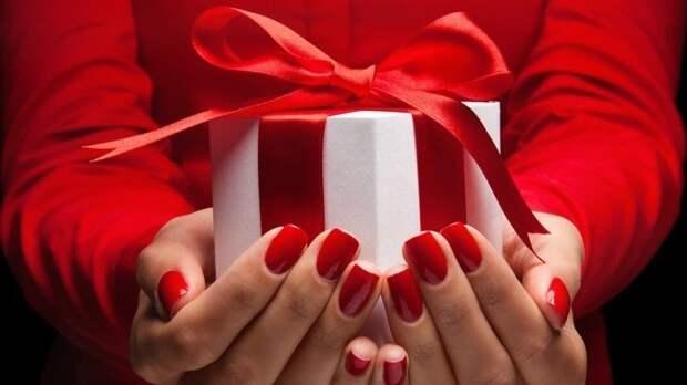 ТОП-5 знаков зодиака, представители которых обожают делать подарки