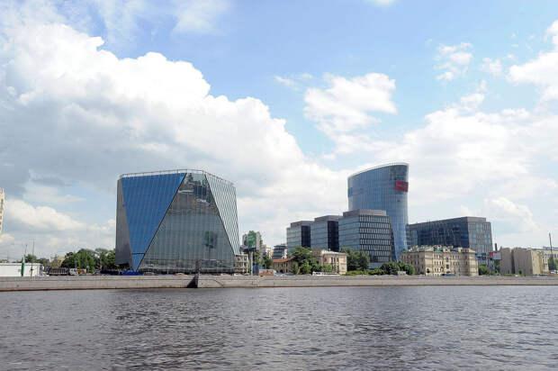 DSC 49281 Нефасадный Петербург: вид с воды