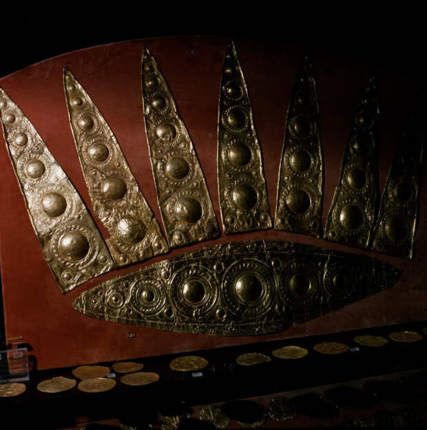 Диадема из могилы III в Микенах. 1600-1450 гг. до н.э.