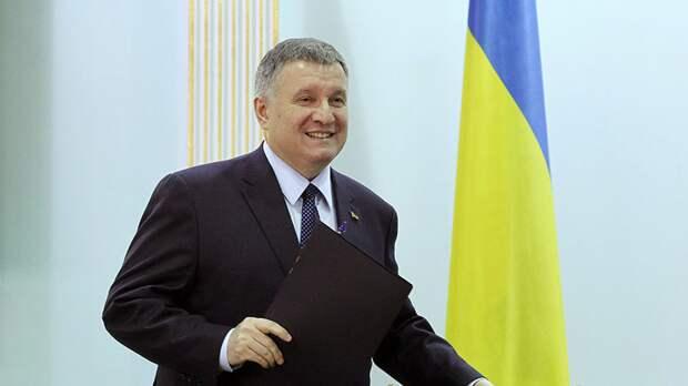 Гончарук объяснил решение оставить Авакова в правительстве Украины