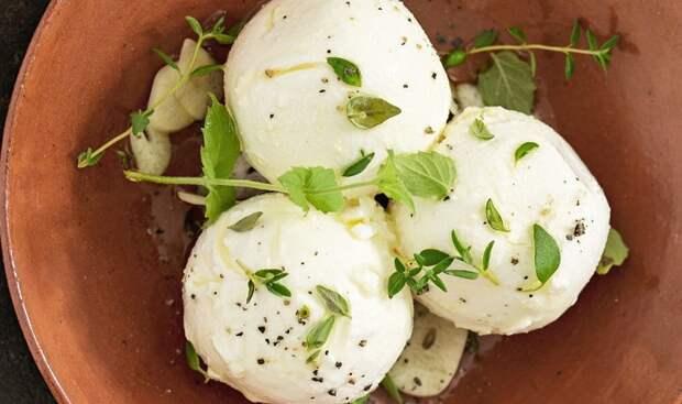 Лабне - крем-сыр на основе йогурта. / Фото: domos.ru