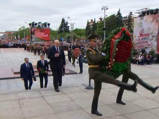 Лукашенко заявил о проведении 9 мая в Минске парада Победы