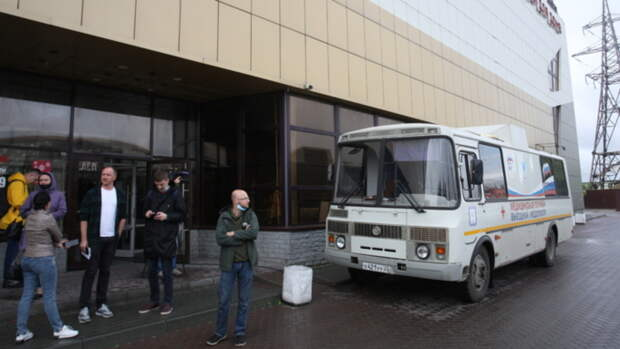 Прививочный флешмоб: как на предприятиях Алтайского края вакцинируют сотрудников от COVID
