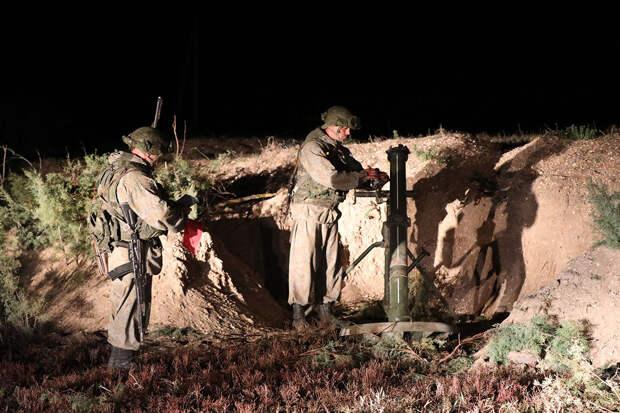 Артиллеристы общевойсковой армии ЗВО провели ночные стрельбы на полигоне Погоново в Воронежской области
