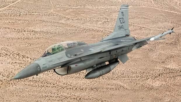 Американский многофункциональный легкий истребитель четвертого поколенияF-16V Block 70 «Viper»