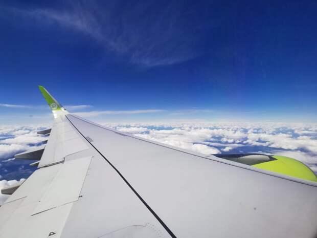 Самолёт авиакомпании S7 экстренно сел в Братске из-за плохого самочувствия пассажира