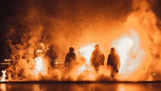 Полетыкин пожелал пожарным здоровья и силы духа в профессиональный праздник