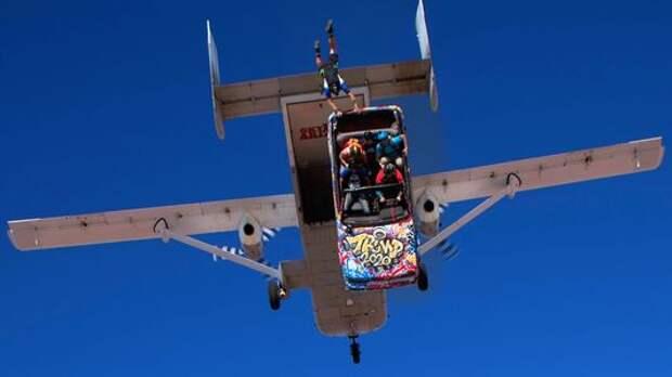 Смертельный номер: выехать из летящего самолета на автомобиле и выжить!
