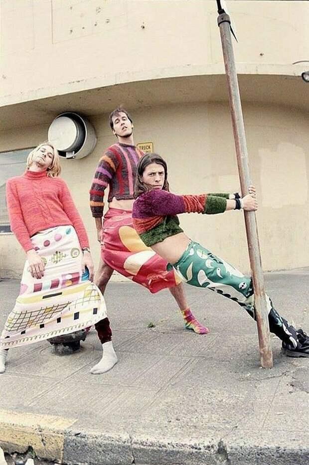 7 крутых фото группы Nirvana в женской одежде