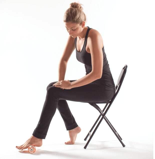 Здоровые стопы: упражнения со скалкой