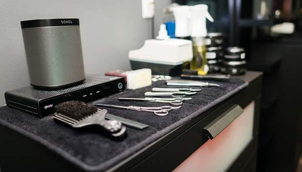 Вход по записи и много отчетов: салоны красоты в Подмосковье начинают работать по‑новому