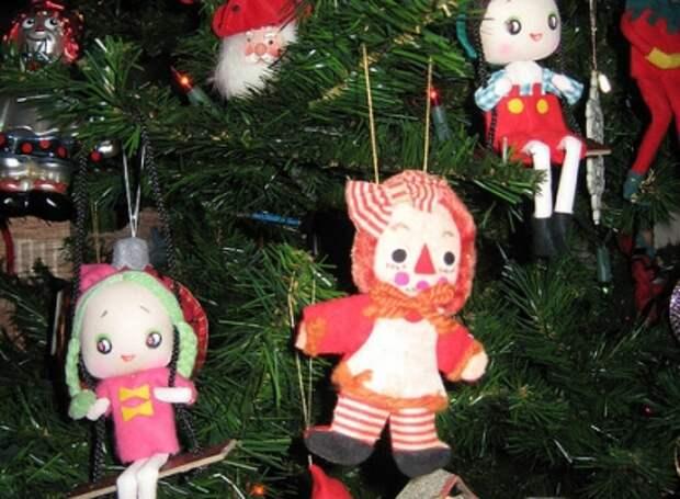 Новогоднее настроение! Как украшают елки в разных странах мира.