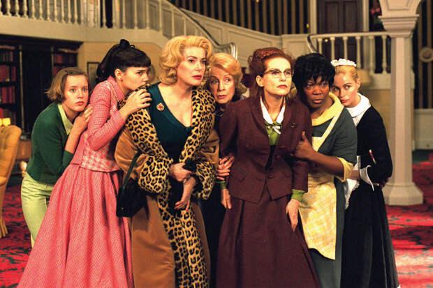 """Что говорят костюмы """"8 женщин"""""""