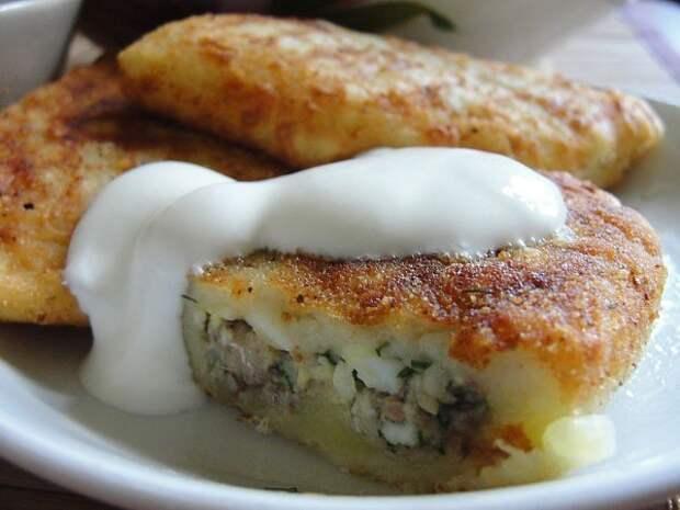Картофельные зразы можно готовить с разной начинкой