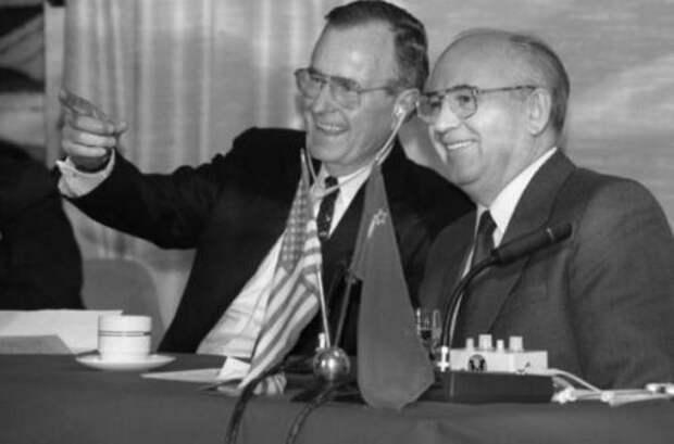 Как «предательство» Горбачева закончило «холодную войну»