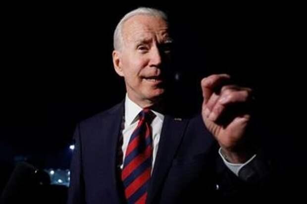 U.S. President Joe Biden speaks to reporters on the tarmac before boarding Air Force One to return to Washington from Cincinnati/Northern Kentucky International Airport in Hebron, Kentucky, U.S., July 21, 2021. REUTERS/Jonathan Ernst