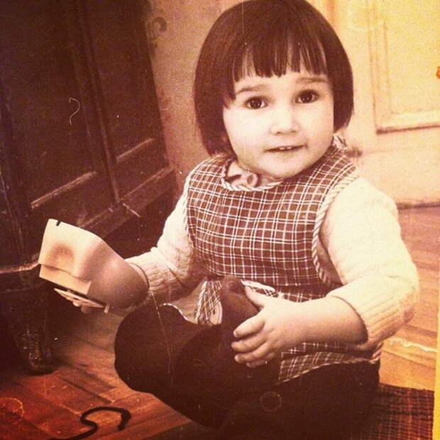 Анфиса Чехова в детстве. / Фото: www.laykni.com