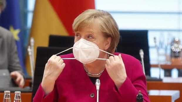 Политолог Рар рассказал об отсутствии интереса Меркель к положению в Киеве