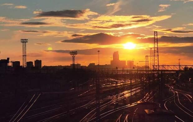 Фото дня: закат над Моссельмашем