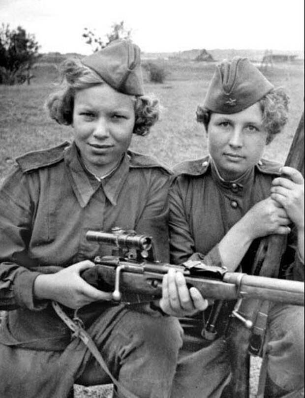 История еще не знала такого массового участия женщин в вооруженной борьбе за Родину, какое показали советские женщины в годы Великой Отечественной войны.