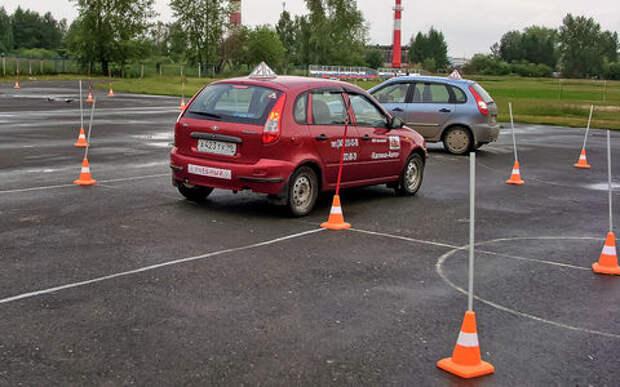 Учимся водить автомобиль: где, когда, на чем?