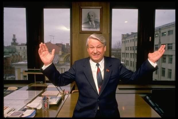 Как Ельцин упал с моста: легендарная история