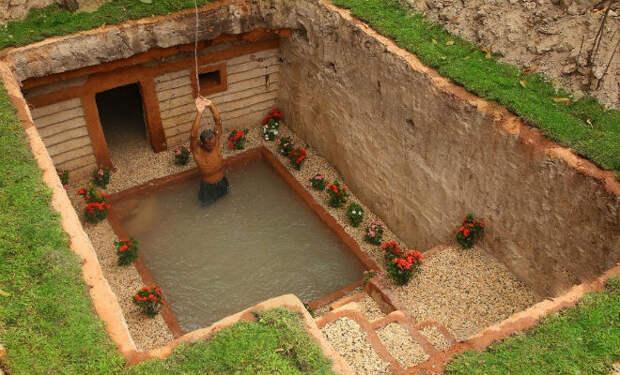 Подземный дом с бассейном: построил и спрятал от соседей