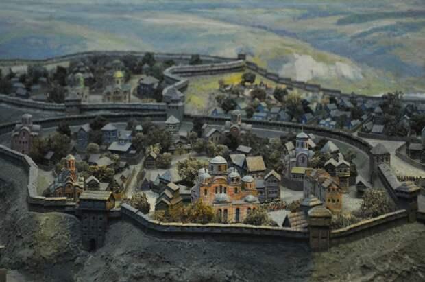 Киевский языческий некрополь и церковь Богородицы Десятинная