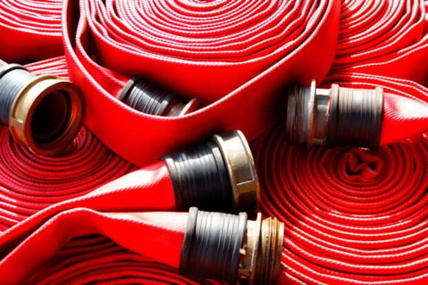 Рецидивист украл пожарные рукава из дома в Ясном проезде
