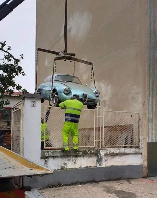Редкая Alfa Romeo Giulietta SZ 1962 хранилась в подвале 35 лет alfa romeo, barn find, zagati, авто, автомобили, находка, олдтаймер, ретро авто