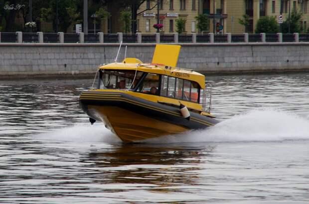 В городе на Неве заработало водное такси от Gett и AnyShips