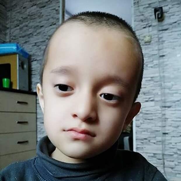 Сартай Кужаков, 7 лет, несовершенный остеогенез, требуется курсовое лечение, 254478₽