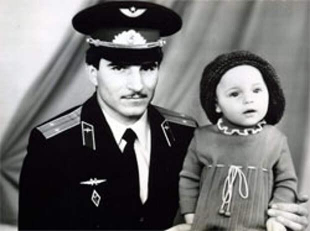 Маленькая Аня с папой Алексеем Снаткиным