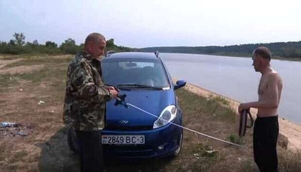 Рыбинспектор замеряет рулеткой расстояние от реки до машины - штраф 3-4,5 тысяч рублей