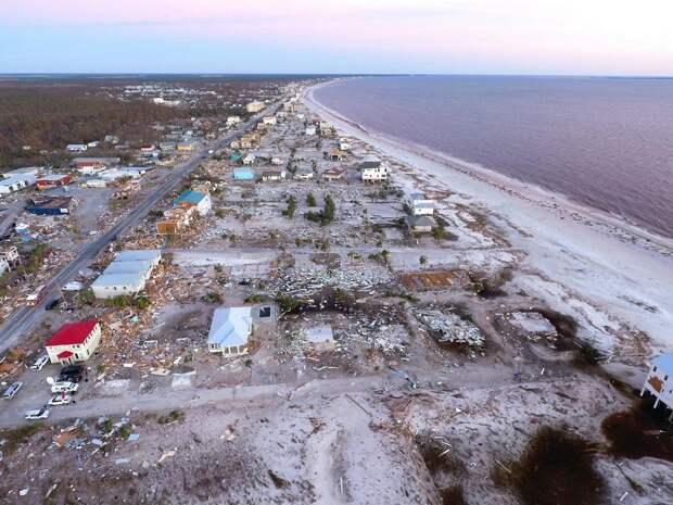 Колоссальные разрушения после Урагана Майкл