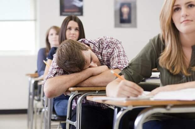 Крымских студентов пока не будут будить по утрам