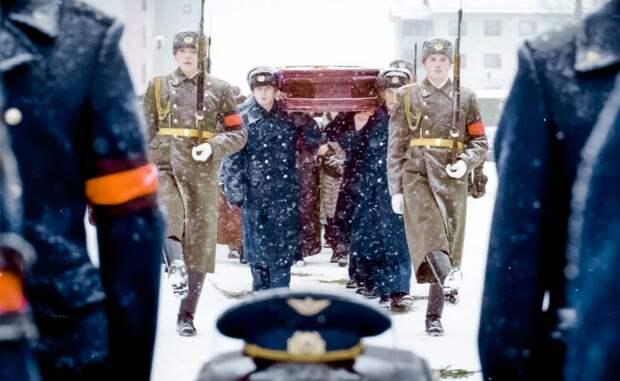Похороны Николая Майданова, Санкт-Петербург, 2000 год© Юрий Белинский/ТАСС