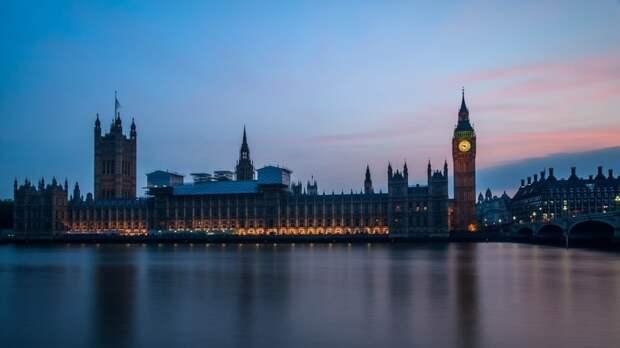 «А разве Россия просила?»: в Сети прямо ответили на заявления Лондона о саммите с РФ