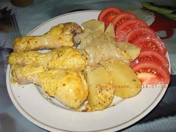 Куриные голени с картошкой в фольге в духовке.