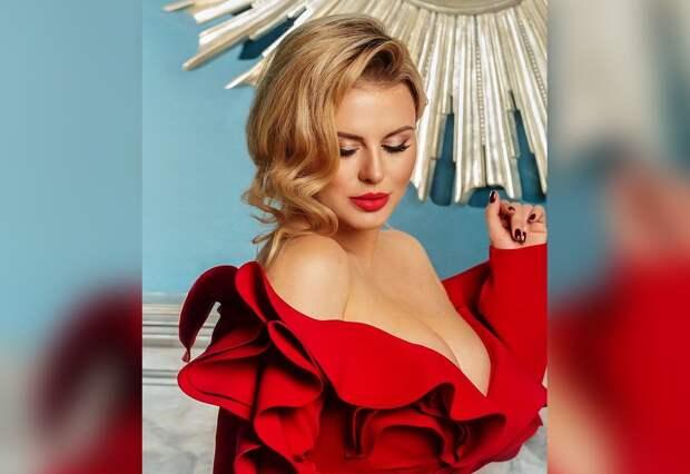 «Формы нужны наконкурсе бикини». Анна Семенович ответила тем, кто жалуется нанезрелость нынешних фигуристок