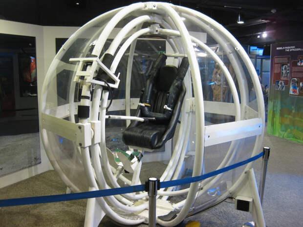 Ученые оснастили тренажеры для космонавтов шлемами виртуальной реальности