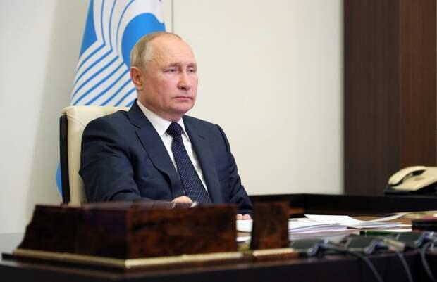 Путин поручил регионам запретит работу ресторанов в ночное время