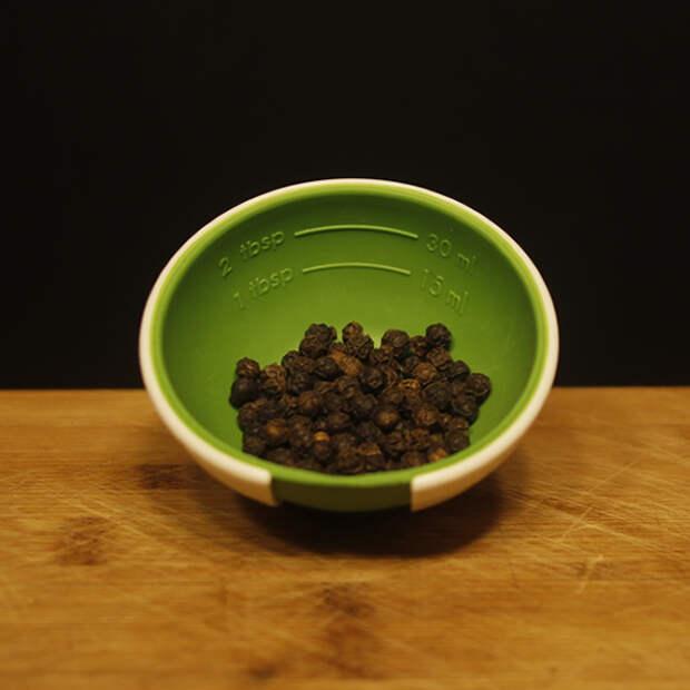 Добавь немного черного перца в стиральную машинку… Неожиданный способ сохранить цвет одежды после стирки