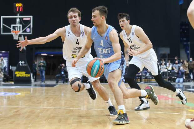 Баскетболисты «Нижнего Новгорода» проиграли питерскому «Зениту»