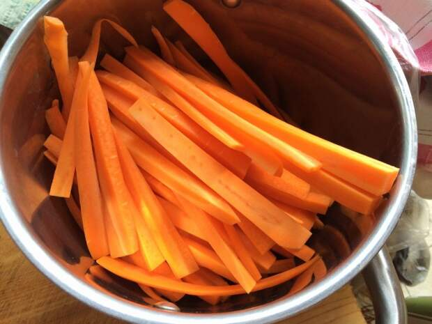 Морковь — один из тех продуктов, которыми можно быстро перекусить. /Фото: yaustal.com