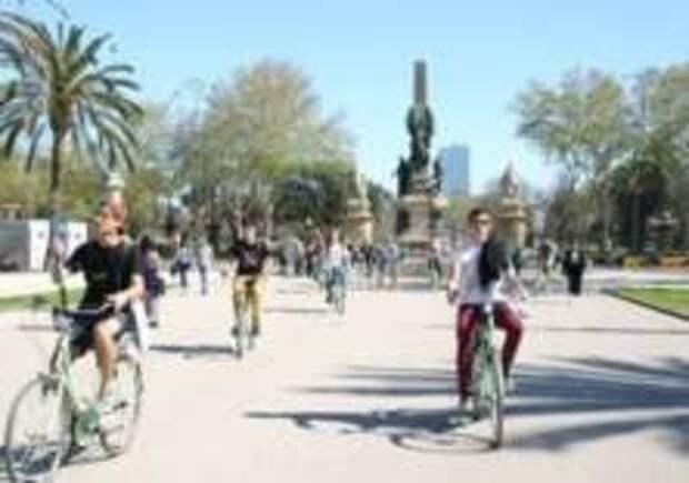 В Барселоне велосипедистам запретят ездить по тротуарам